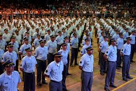 Governador Casagrande reduz interstício para promoção de policiais.